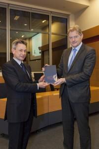 2013 - aanbieding 2 Wonen-zorg-pensioenen bundel Tias Tilburg